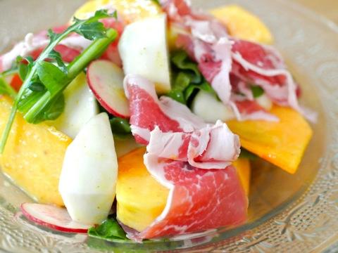 柿と生ハムのサラダ02